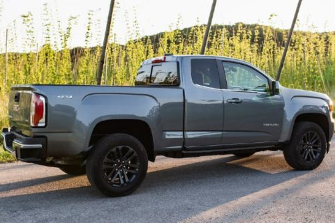 midsize-gmc-canyon-brings-comfort-quality